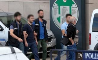 Siirt'te gözaltına alınan 1'i öğretmen, 4 kişi tutuklandı