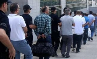 Manisa'da ihraç edilen memurlar dahil 250 gözaltı kararı