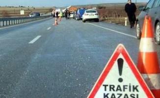 Emekli öğretmen çift trafik kazasında öldü