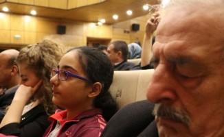 Öğrenciler türkü söyledi, öğretmenler uyudu