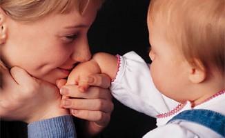 Annelere 400 liralık çocuk bakım desteği!