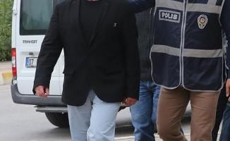 8 eski öğretmen ve polise FETÖ'den gözaltı kararı