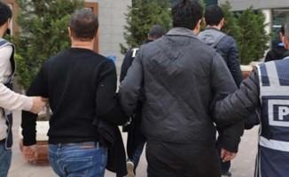 Adana'da FETÖ operasyonu: 10 kişiye gözaltı