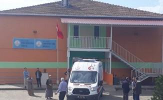 Vücutlarında kaşıntı ve kabarcık oluşan 13 öğrenci, hastaneye kaldırıldı