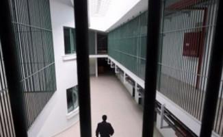Aralarında eski öğretmen ve mühedislerin de olduğu sanıklara hapis
