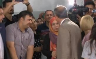 Başörtülü kadın İnce'nin elini sıkmadı iddiası yalanlandı