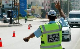 Polise rüşvet teklifi yapan şüpheli gözaltına alındı