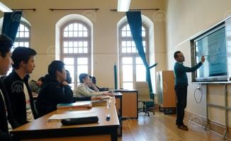 63 ülkeden öğrenci aynı lisede eğitim görüyor