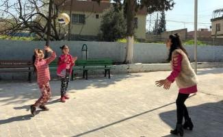 Öğretmen adayları köy okulunda öğrencilerle buluştu