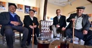 Emekliler sorunlarına çözüm bekliyor