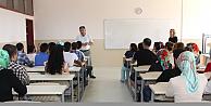 Lisans Öğrencileri İçin Pedagojik Formasyon Sertifika Programı Eğitimleri Sürüyor