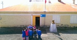 Öğretmen, köyün çehresini değiştirdi