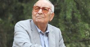 Yazar Yaşar Kemal tedavi gördüğü hastanede...