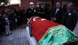 Adana'da tır ile otomobil çarpıştı:...