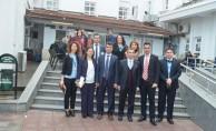 Milas Milli Eğitim Müdürü ve Kaymakam'dan Hastanedeki Öğrencilere Karne Jesti
