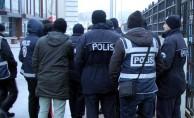 8 ilde öğretmenlerin de olduğu 17 şüpheliden 10'u tutuklandı