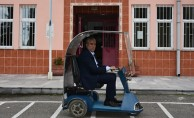 Öğretmenler, hurdalardan engelli aracı üretti