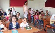 Okul zili Suriyeli öğrenciler için de çaldı
