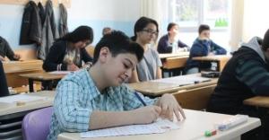 TEOG deneme sınavına tablet bilgisayarla girdiler