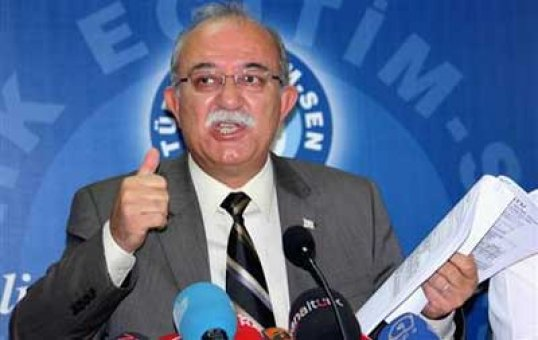 Türk Eğitim-Sen'den 'Öğretmenler Günü' anketi