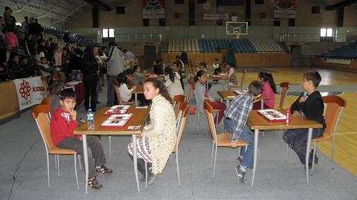 Türk zeka ve strateji oyunu Mangala turnuvasına büyük ilgi
