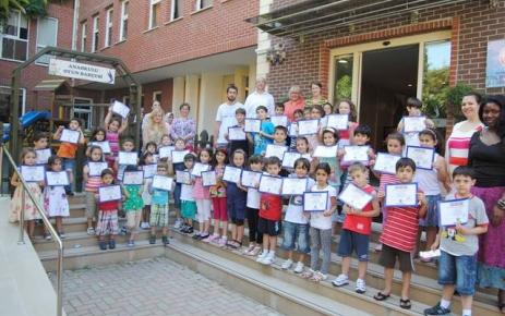 Ufuk Yaz Okulu'nun öğrencileri sertifikalarını aldı