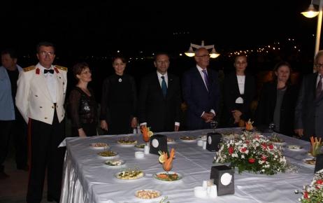 Vali Aksoy: Milli bayramlar, Cumhuriyet değerlerine sahip çıkma fırsatıdır